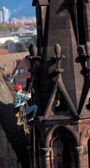 Lavori in fune su campanile